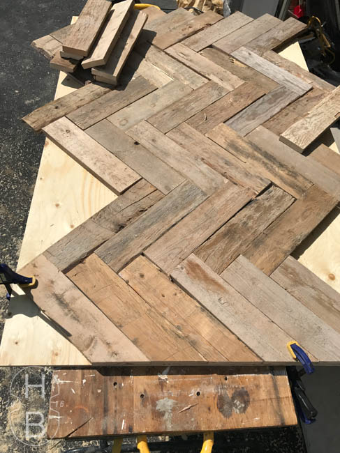 DIY Pallet Wood Headboard | House by the Bay